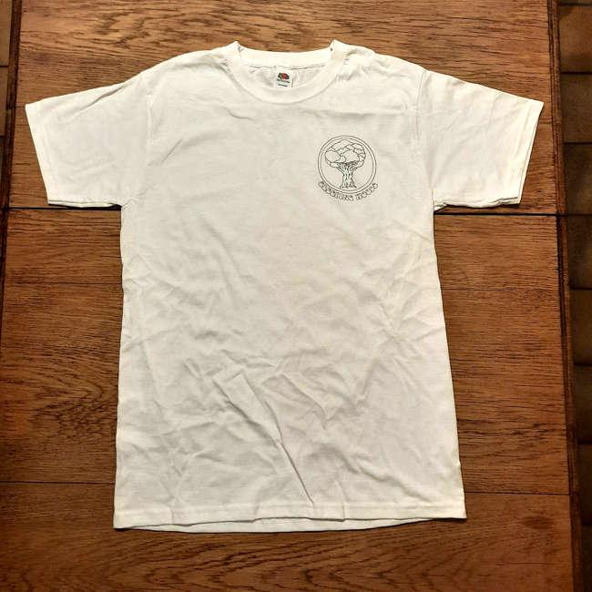 t-shirt white